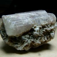 Fluorapatite With Cleavelandite