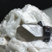 Tantalite-(Mn) With Quartz