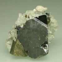 Sphalerite & Chalcopyrite With Quartz