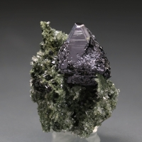 Sphalerite On Quartz With Chlorite