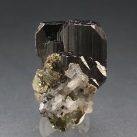 Ferberite On Arsenopyrite & Calcite
