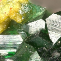 Ferrilotharmeyerite & Olivenite