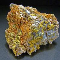 Tsumcorite On Quartz & Smithsonite