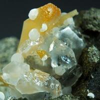 Gonnardite On Ferroan Calcite & Chabazite