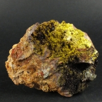 Bromian Chlorargyrite On Carminite & Segnitite