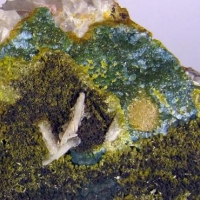 Plumbogummite With Pyromorphite & Baryte