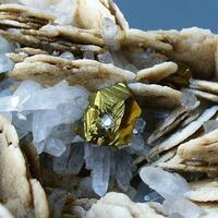 Calcite Chalcopyrite & Quartz