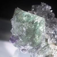 Heulandite-Ba & Fluorite