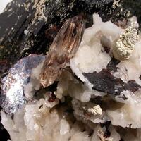 Niobophyllite & Quartz