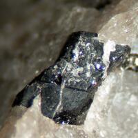 Tanteuxenite-(Y)