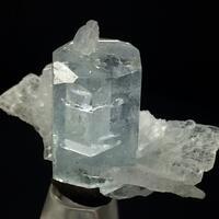 Aquamarine With Cleavelandite