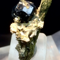 Grossular Var Garnet & Diopside
