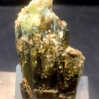 Epidote With Titanite