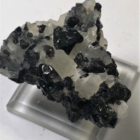 Spinel In Calcite