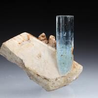 Beryl Var Aquamarine & Feldspar
