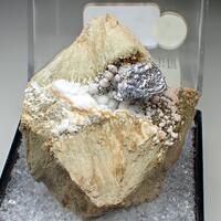 Sphalerite Calcite & Johannsenite