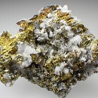 Chalcopyrite Quartz & Pyrite