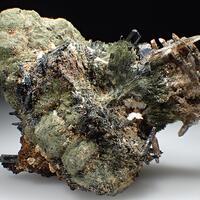 Aegirine Eudidymite & Quartz