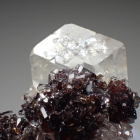 Uvite Magnesite & Chernovite-(Y)