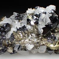 Sphalerite & Calcite & Pyrite
