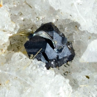 Cleusonite