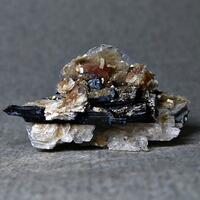 Rhabdophane Sérandite Catapleiite Aegirine Polylithionite Pyrochlore & Gonnardite