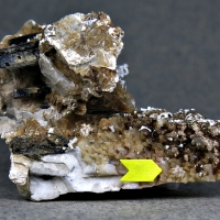 Behoite Gonnardite & Polylithionite