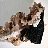 Ancylite-(Ce) Nenadkevichite Natrolite & Aegirine