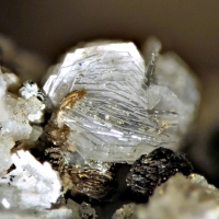 Gmelinite Synchysite-(Ce) & Franconite