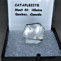 Catapleiite