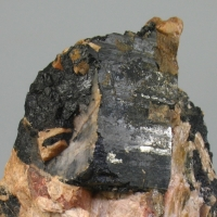 Yttrian Titanite