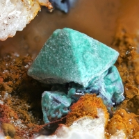 Malachite Psm Cuprite & Rhabdophane-(Ce)