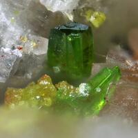 Molybdofornacite & Dioptase