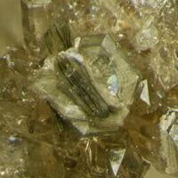 Gmelinite-Na & Quartz