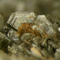 Cordylite-(Ce) Parisite-(Ce) & Manganoneptunite