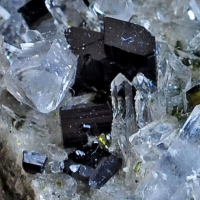 Babingtonite & Quartz