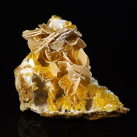 Wulfenite Calcite Vanadinite & Plattnerite