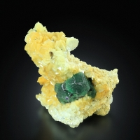 Fluorite With Goshenite On Muscovite