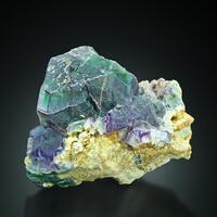 Fluorite With Goshenite On Muscovite