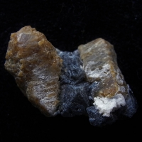 Clinohumite & Spinel