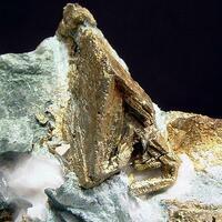 Chalcopyrite Pyrite & Actinolite