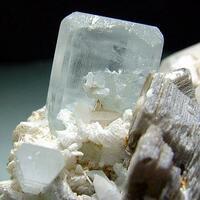 Aquamarine Quartz & Muscovite