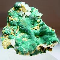 Malachite With Pyromorphite & Cerussite