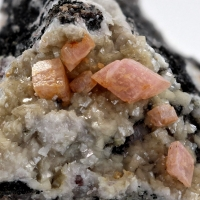 Manganoan Smithsonite & Dolomite
