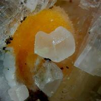 Ferrierite-Mg Heulandite-Ca & Calcite