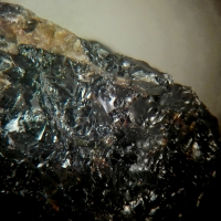 Nioboaeschynite-(Y)