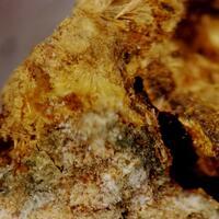 Kapundaite & Leucophosphite