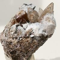 Ferrierite-Mg Mordenite Calcite