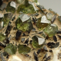 Demantoid With Fuchsite On Serpentine
