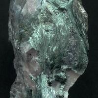 Ferropargasite & Calcite